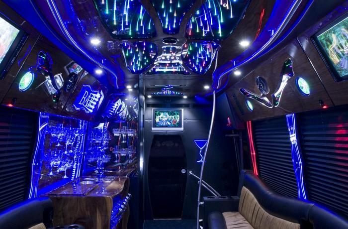 Choosing Party Bus Transportation For Your Little Leaguers